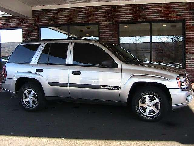2004 Chevy Trailblazer submited images.
